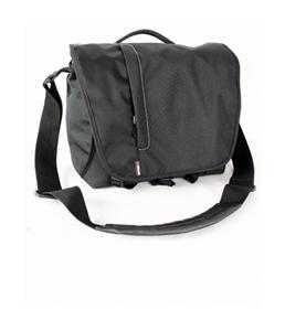 BRAUN taška KENORA 330 (31x14x24,5 cm, černá)